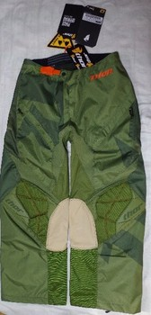 04-pants.jpg