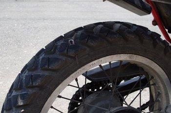 08-tire.jpg