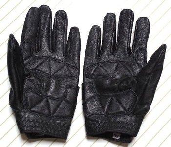 22-new-glove.jpg