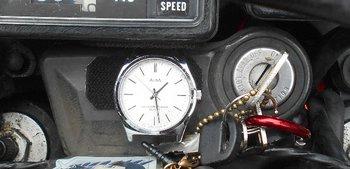 02-watch.jpg