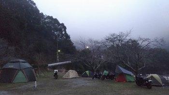 031-camp.jpg